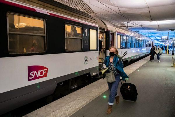 Trains, avions, bus longue distance... les conditions des transports domestiques vont drastiquement changer à partir du 9 août