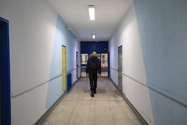 Sa peine venait d'être rallongée, un détenu se suicide à la prison de Grasse.