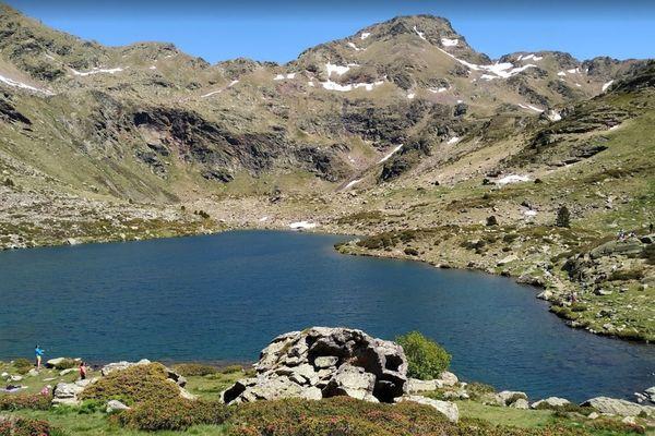 Les lacs de Tristaina (Andorre) sont à proximité de la frontière française.