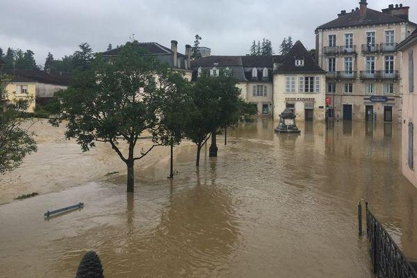 A Salies-de-Béarn, le Saleys a débordé