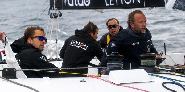 """Aymeric Chappellier (à droite sur la photo) à bord de """"Leyton"""""""