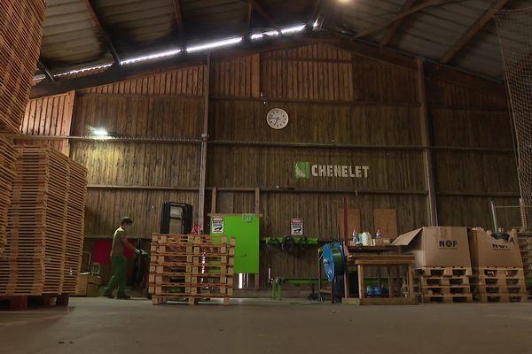 Le site d'Audruicq (Pas-de-Calais) du Chênelet fabrique des palettes et emploie 220 salariés en insertion