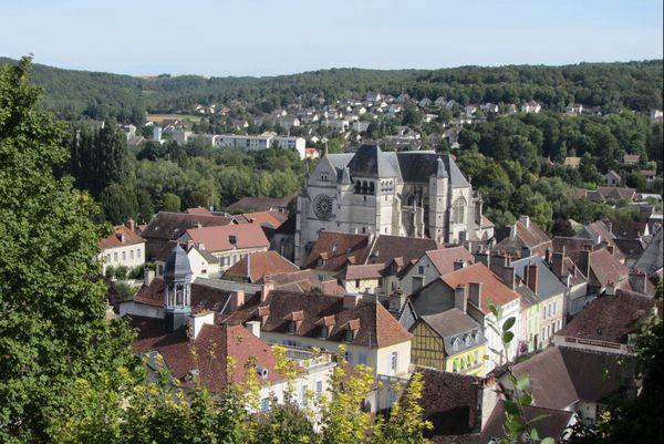 Grand Est - Aube - Bar-sur-Seine.JPG