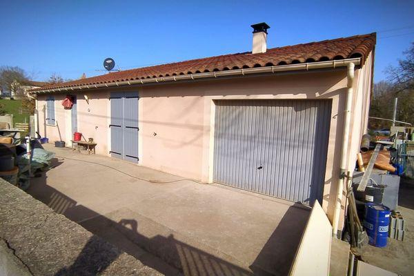 La maison de Sabonnères où un couple de quadragénaires a été retrouvé sans vie ce 24 février