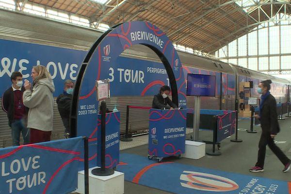 """""""We love 2023 Tour"""", le train promotionnel de la Coupe du Monde de Rugby"""