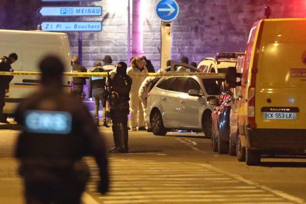La police scientifique dans la rue du Lazaret à Strasbourg Neudorf où a été abattu Cherif Chekatt par la brigade spécialisée de terrain (BST) à Strasbourg jeudi soir 13 décembre 2018.