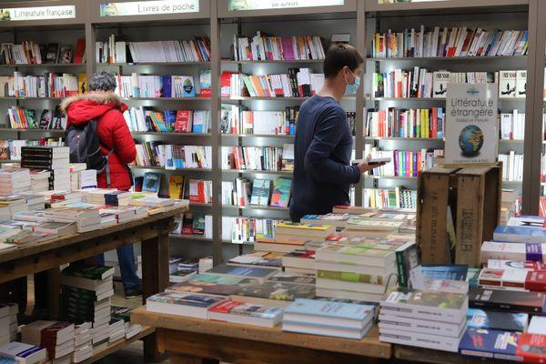 Les librairies font partie de ces commerces autorisés à rester ouverts