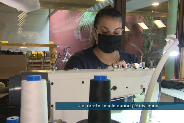 Séphora a appris le métier de couturière et peut aujourd'hui être autonome financièrement