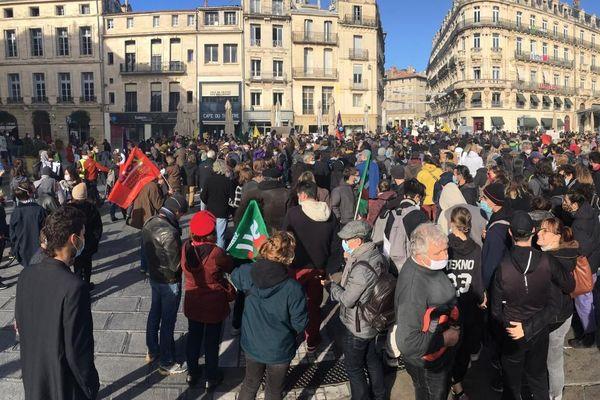 Depuis le 21 novembre dernier, les manifestations ont repris dans le centre ville de Montpellier : en ligne de mire, la loi sur la sécurité globale qui empêcherait la presse comme les citoyens de filmer les forces de l'ordre.