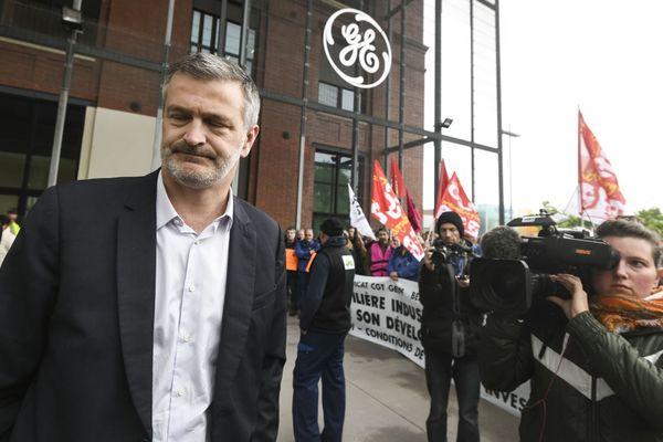 Antoine Peyratout à la sortie du site de General Electric de Belfort.