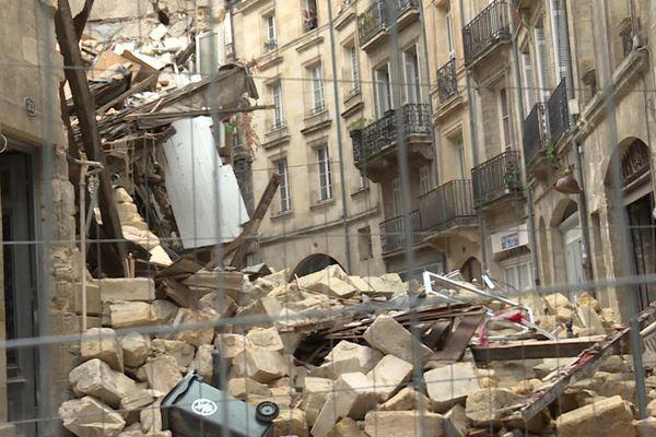 Immeuble effondré rue de la Rousselle dans le centre historique de Bordeaux, le secteur reste inaccessible au public.
