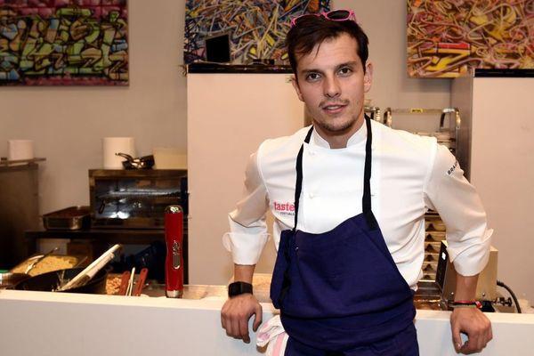 Juan Arbelaez, remarqué dans l'émission Top Chef, est le parrain du festival. / © MIGUEL MEDINA / AFP