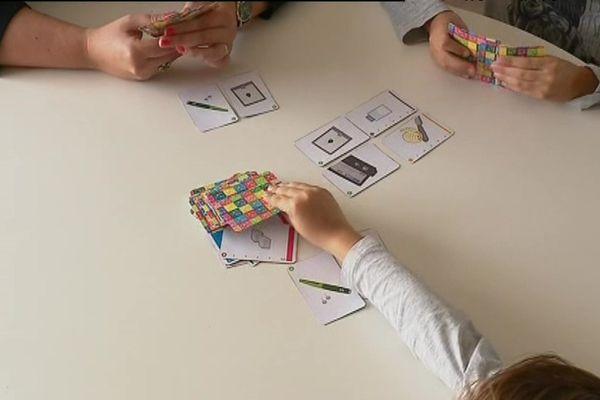 Un jeu de cartes pour expliquer facilement le diabète aux enfants