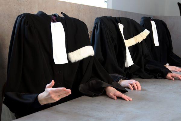 Mise en scène des avocats de Thionville lors du mouvement de grève de 2018 - Photo d'illustration