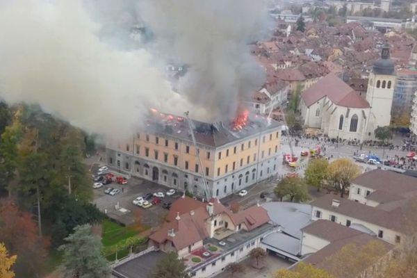 Les images tournées par un drone permettent de mieux appréhender les dégâts