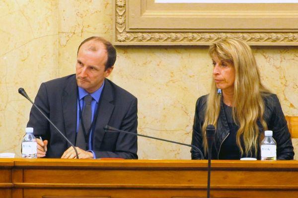 Sophie DESSUS avec Emmanuel KESLER, directeur de cabinet de Frédéric CUVILLIER ( Assemblée Nationale, 21 mars 2013)
