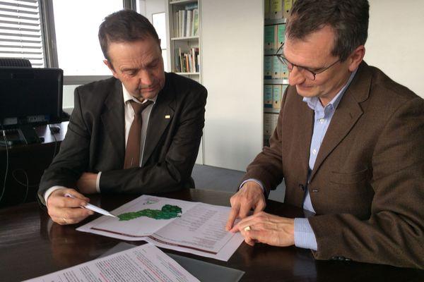 Claude Cochonneau (à gauche), Président de la Chambre Régionale d'Agriculture et Philippe de Ponthon Directeur.