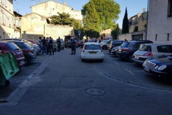 Un policier de 36 ans tué dans le centre ville d'Avignon alors qu'il contrôlait un point de deal. L'auteur des tirs est toujours en fuite