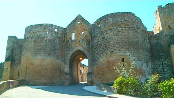 Classé parmi les plus beaux villages de France, Domme accueille chaque année un million de visiteurs