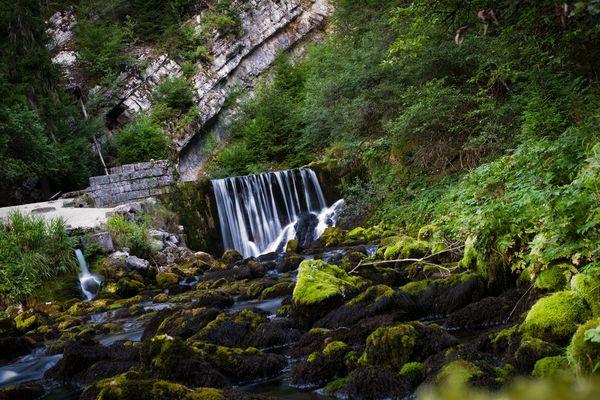 La source du Doubs fournit l'eau de la commune de Mouthe (PHOTO ARCHIVES)