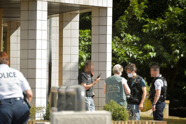 Après l'agression au couteau d'un jeune homme mercredi 10 juillet, le SRPJ (Service Régional de Police Judiciaire) de Clermont-Ferrand a été co-saisi avec le commissariat de Montluçon.