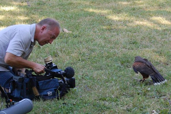 Christophe Guinot, JRI pour France 3 Poitou-Charentes, lors du tournage