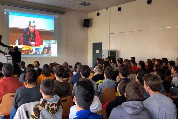 Ginette Kolinka en audio conférence avec des élèves du collège La Fayette de Rochefort