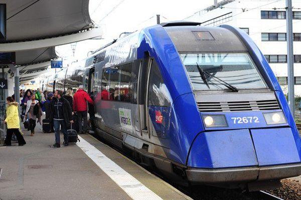 """Caen Le Mans Tours, le """"scénario noir du démembrement"""" des trains d'Équilibre du Territoire (TET) selon les élus régionaux et locaux"""