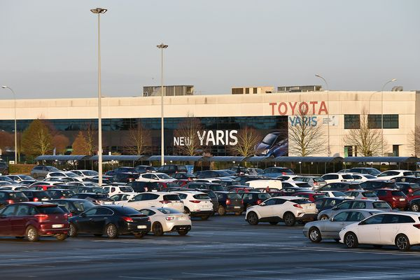 Les salariés de Toyota peuvent désormais se rendre au travail en navette.