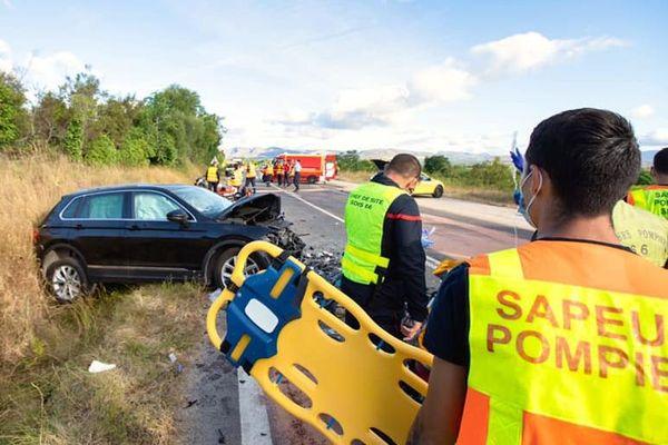 Pyrénées-Orientales : un mort et 4 blessés dont 2 graves dans un accident entre Estagel et Cases-de-Pène - 4 août 2020.