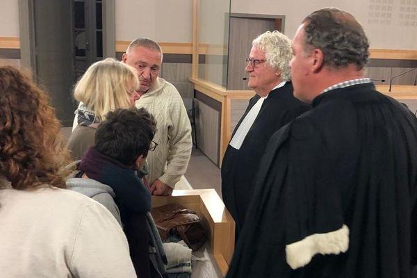 La famille de Maureen Jacquier et ses avocats sont apparus marqués à l'annonce de la condamnation de Sylvain Boulais.