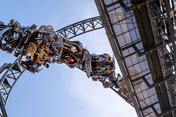 """Time Traveller est actuellement le seul """"roller coaster"""" dont les wagons tournent sur eux-mêmes"""