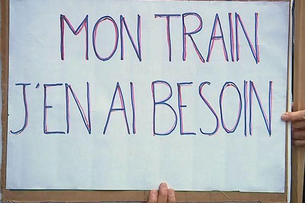 Drame de Millas : les usagers de la ligne SNCF Perpignan-Villefranche réclament sa réouverture - 2019.