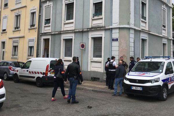 Interpellation à Mulhouse le vendredi 1er mai, rue de Tunis, d'un homme qui menaçait de se faire sauter
