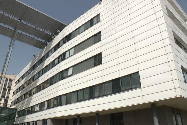 La Cité Sanitaire de Saint-Nazaire a déprogrammé 40 % de ses interventions chirurgicales en orthopédie.