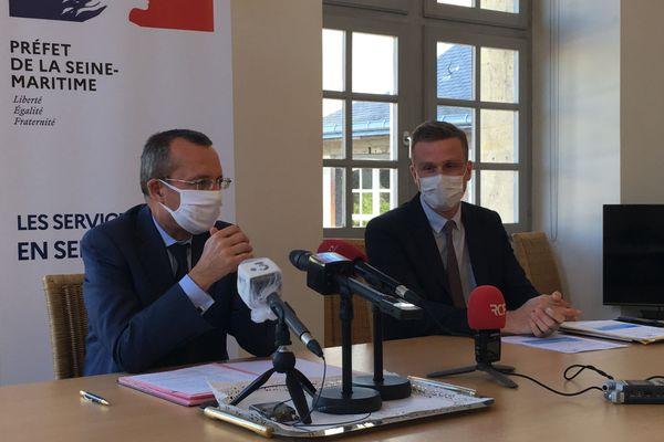 le préfet et le directeur de l'ARS Normandie annoncent les nouvelles mesures anti Covid 19