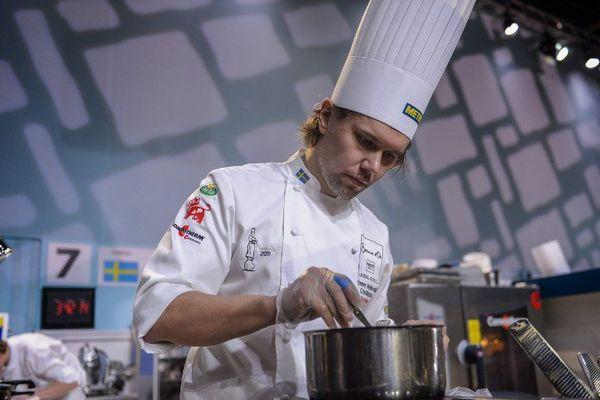 Le chef suédois Tommy Myllymaki concourt pour le Bocuse d'Or Europe. La compétition s'est déroulée à Stockholm. (Mai 2014)