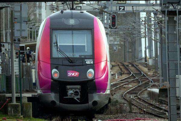 Des passagers du RER A et de la ligne L du Transilien ont été bloqués pendant plusieurs heures (illustration).