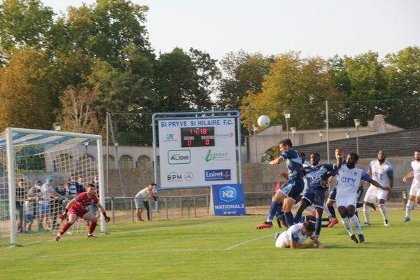 Le 12 septembre 2020, à l'occasion de la 5ème journée de N2, le club de Saint-Pryvé Saint-Hilaire s'impose 2-1 face à Versailles