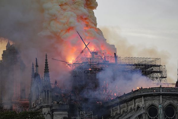 La cathédrale Notre-Dame de Paris en flammes, lundi 15 avril 2019.