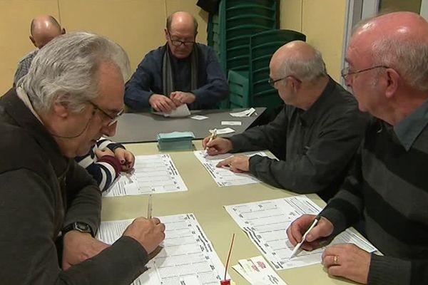 L'heure du dépouillement dans un bureau de vote - 22 janvier 2017.