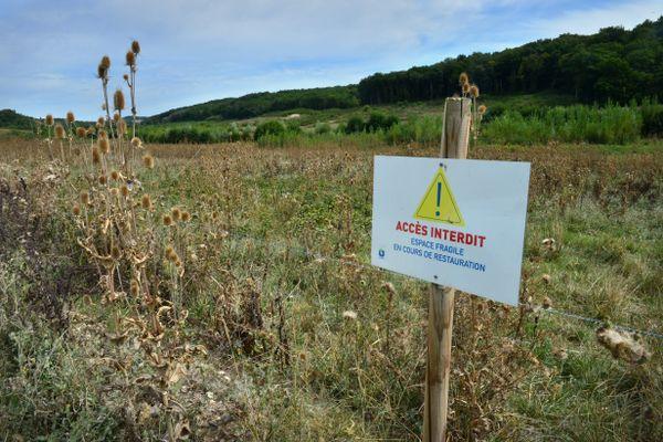 Selon la secrétaire d'Etat chargée de la biodiversité, Bérangère Abba, les projets étudiés pour les besoins en eau de la vallée du Tescou (Tarn) se baseront sur un volume de 473 000 m3.