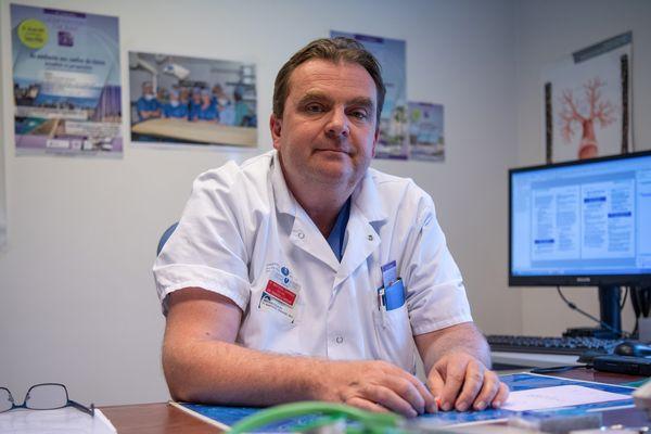 Le Pr. Emmanuel Martinod, chef du service de chirurgie thoracique et vasculaire de l'hôpital Avicenne de Bobigny, à l'origine de l'étude.