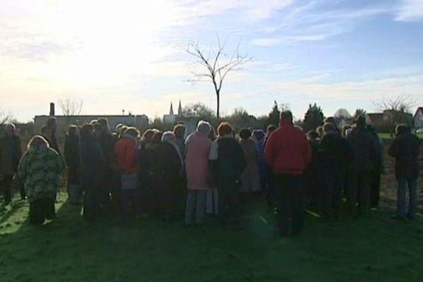 Plantation d'un arbre de la laïcité à Champhol en Eure-et-Loir le 9 décembre 2014, jour anniversaire de la loi de 1905.