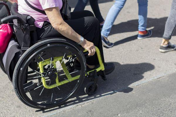 Le centre-ville compte 18 km de voirie accessible aux personnes en fauteuil roulant