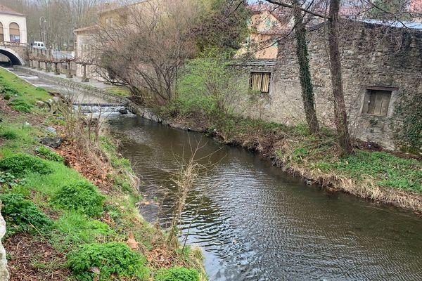 """L'Aguze à Saint-Pons-de-Thomières, une zone de pêche """"no kill"""""""