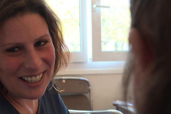 Céline Simoës, éducatrice spécialisée à l'Astrolabe
