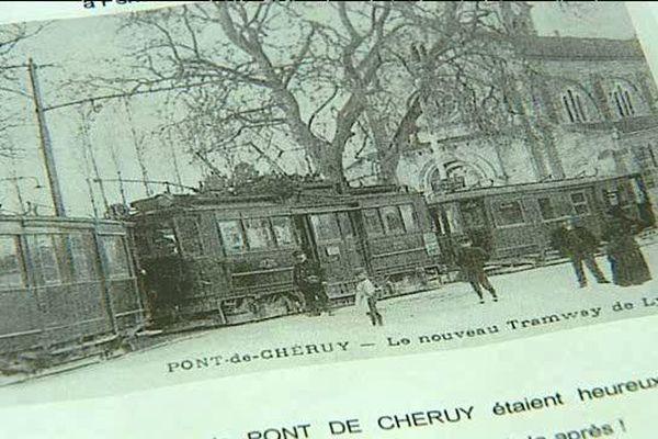 En 1913, un tramway assurait des liaisons avec le centre de Lyon