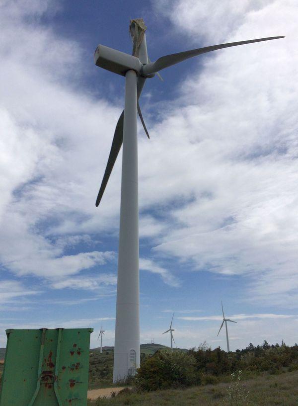 Dio-et-Valquières (Hérault) - la pale d'une éolienne se brise sous l'effet d'un vent violent - 3 mai 2018.
