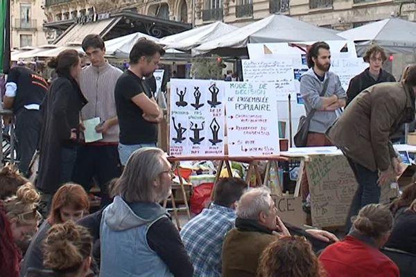 Troisième rassemblement pour Nuit Debout à Montpellier, ce samedi, place de la Comédie
